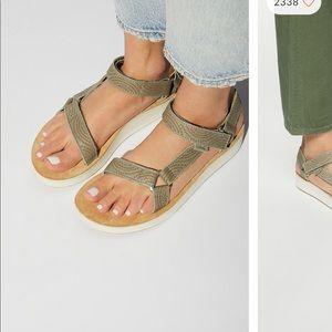 Midform universal geometric Teva sandals.